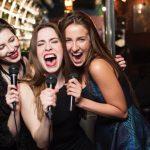 カラオケで女性が歌えば間違いなく盛り上がるオススメ曲20選!